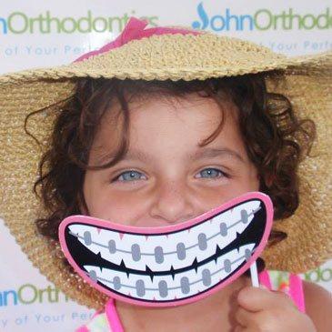 JO <span>Smiles</span>